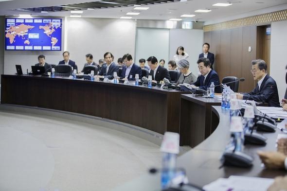 韓国ギャラップ「文大統領支持率...