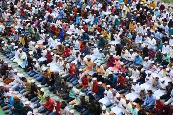 「コロナ地獄」インドの逆説…未接種者の5人に3人が抗体保有
