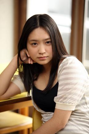 이케와키 지즈루(28)