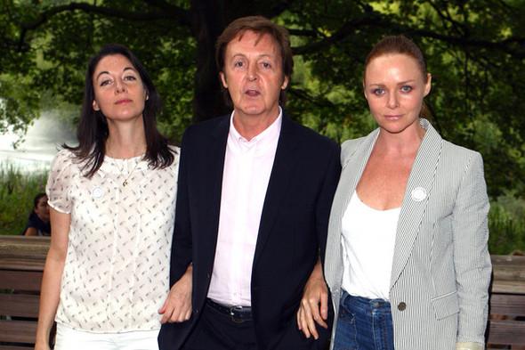 왼쪽부터 메리 매카트니, 폴 매카트니, 스텔라 매카트니