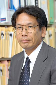 약력 :고베대 경영학 박사, 일본 지속가능 미래 포럼 공동대표.