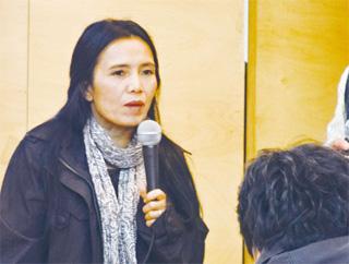 타이의 코끼리 보호 운동가 생두언 차일럿이 10일 서울 정동 환경재단 레이첼카슨홀에서 열린 코끼리에 관한 강연회에 나와 이야기하고 있다.