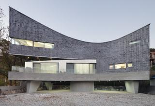 이정훈 소장의 '곡선이 있는 집'. 남궁선 건축사진가 제공