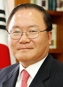 이동흡 헌재소장 후보