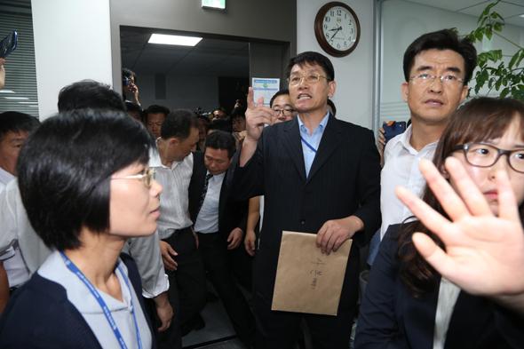 국정원이 지금 '종북 장부' 꺼내든 이유는 : 국회·정당 : 정치 : 뉴스 : 한겨레