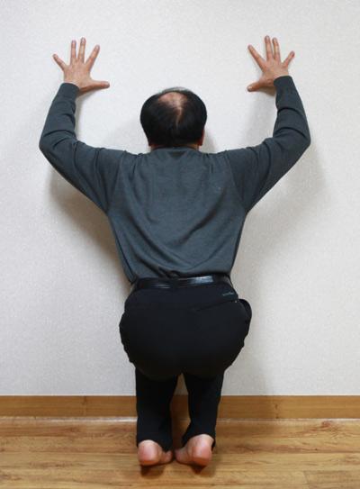 고문의 심한 후유증을 대체의학인 '역학요법'으로 극복한 정동년씨. 이길우 기자