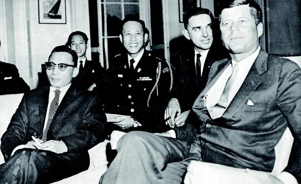 박정희 당시 국가재건최고회의 의장은 1961년 11월 미국 워싱턴 백악관에서 케네디 대통령을 만났다. 이 자리에서 박정희는 베트남 파병을 먼저 제안했다. 미국이 한국군 감축 계획을 검토하고 있던 시기였다.  <한겨레> 자료사진