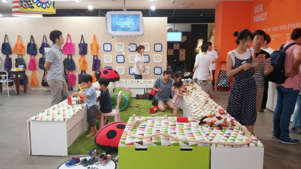 Amazing Korean Furniture Makers Brace For The Oncoming IKEA Wave : International :  News : The Hankyoreh