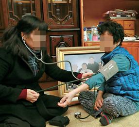 [단독] 지자체들, 정규직 전환 앞둔 방문 간호사 508명 해고 : 노동 : 사회 : 뉴스 : 한겨레