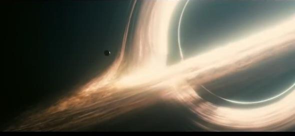 영화 에 등장하는 블랙홀의 모습. 유튜브 갈무리