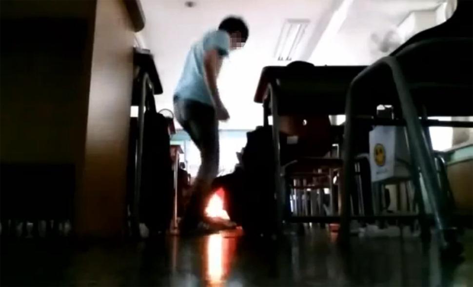 1일 오후 서울 양천구의 한 중학교 교실에서 이 학교에서 전학 간 학생의 소행으로 추정되는 소형부탄가스 폭발 사고가 발생했다. 사고 발생 3시간 뒤 한 인터넷 동영상 사이트에 'XX중 테러'라는 제목의 범행 장면으로 추정되는 두 개의 동영상이 올라왔다. 유튜브 캡처 2015.09.01