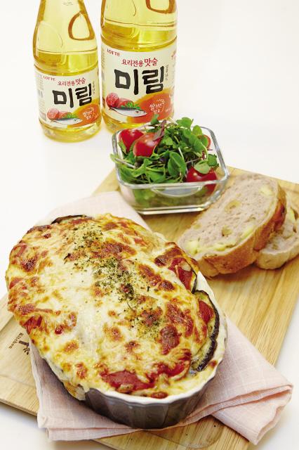 한가위 음식 재료에 피시소스, 모차렐라 치즈 같은 '이국적 요소'를 더해 조리하면 색다른 음식을 즐길 수 있다. 사진은 층층 그라탱.