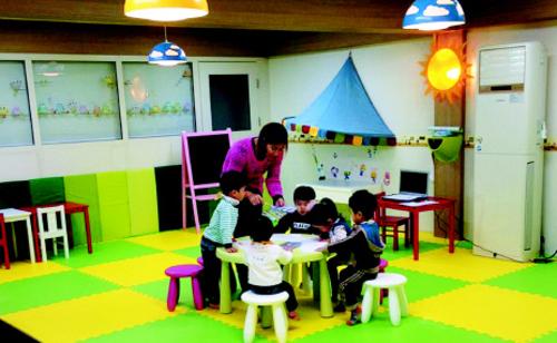 서울 관악구청과 관악사회적경제통합지원센터가 '서울시 사회적 경제 예비특구 준비 사업'의 일환으로 마련한 '서로돌봄허브' 공간. '공동체육아'의 플랫폼으로서 역할이 기대된다.   관악사회적경제통합지원센터 제공