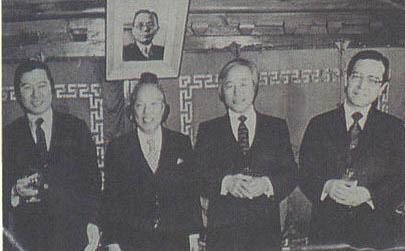 1980년 2월25일 김대중은 동아일보사 주최 행사에 참석해 '대선 후보 3김 첫 회동'으로 주목받았으나 계엄사령부의 통제로 '재야 유력인사' '한 참석자' 등 익명으로만 보도됐다. 김대중(왼쪽부터)·김상만·김영삼·김종필이 함께한 이때 사진도 94년 4월1일치 '동아일보'에 공개됐다.