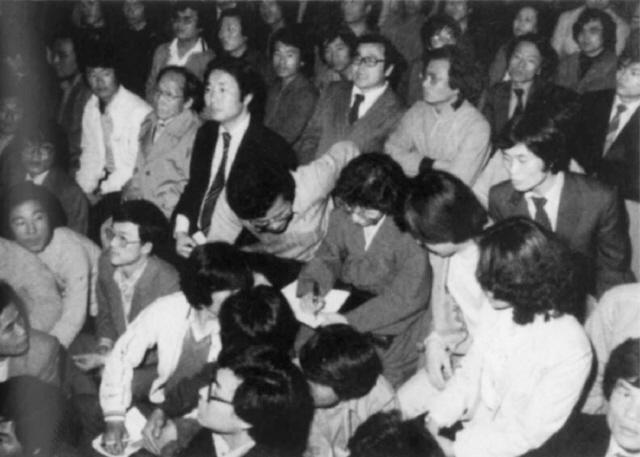 """""""그날 밤 '김대중이 반항하면 쏘라'는 명령을 받았다고 했어요"""" : 정치일반 : 정치 : 뉴스 : 한겨레"""