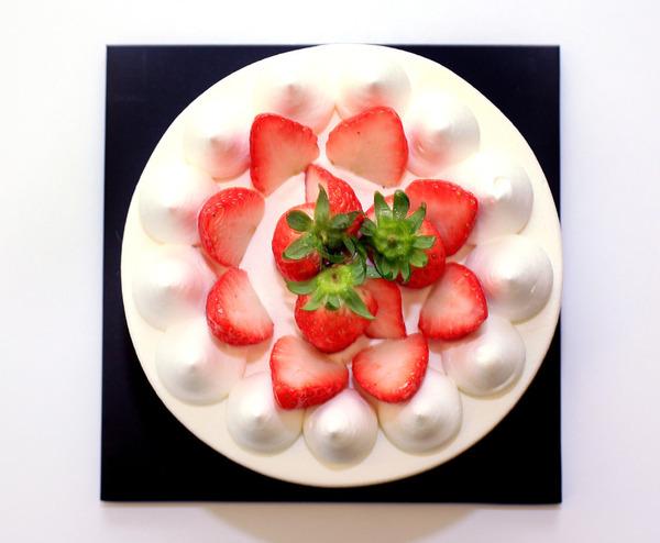 피오니 '딸기생크림케이크'