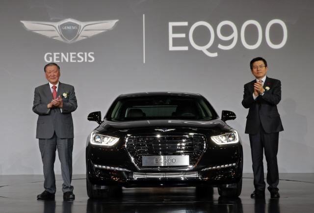 현대자동차도 지난해 12월 자율주행 장치를 장착한 제네시스(EQ900) 새 모델을 선보였다. 연합뉴스