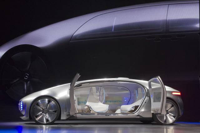메르세데스벤츠가 2015년 1월 국제전자제품박람회(CES)에서 선보인 자율주행차 'F015 럭셔리 인 모션'. REUTERS 연합뉴스