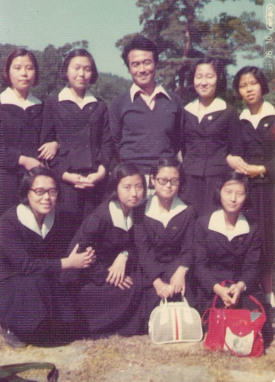서울사대부고 내가 영어교사로 10년간 근무했던 그 학교는 반은 달리했지만 남녀공학이었다. 가을소풍의 즐거운 한때.