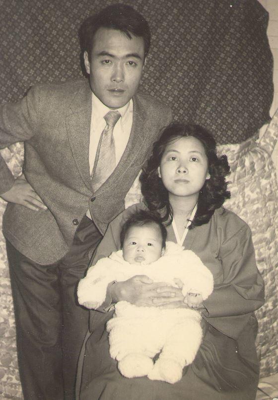 우리의 첫아이 대학 영어교육과 동급생인 시인 양정자를 만나 가정을 이루었고, 1972년 첫아이를 얻었다.