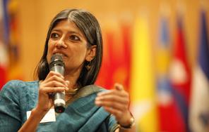 자야티 고시 교수(인도 자와할랄네루대, 경제학)