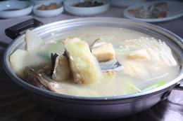 '만선식당'의 우럭간국. 박미향 기자