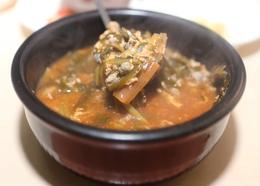 '서울식당'의 올갱이해장국. 박미향 기자