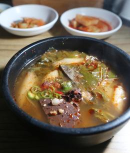 '옥야식당'의 선지국밥. 박미향 기자