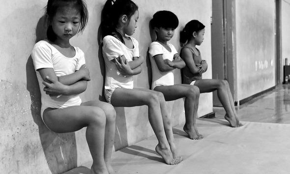 발끝으로 선 아이들 그리고 '체조 강국' 중국