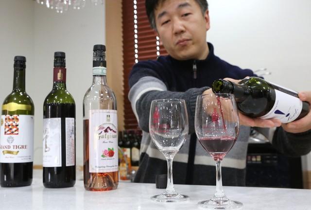 '국악의 거리' 영동와인 홍보판매장. 와인 무료 시음을 할 수 있다.
