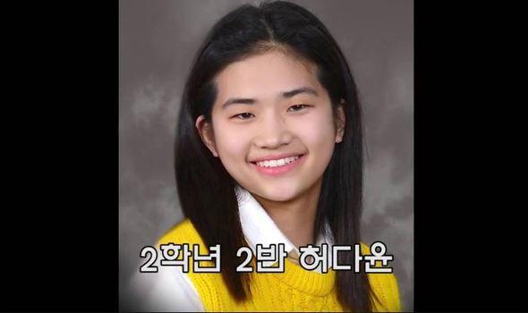 세월호 참사 직전 찍은 가족사진 속 허다윤 학생. 사진관에서 찍은 가족사진을 2014년 4월16일 찾기로 돼 있었다. 광화문티브이 화면 갈무리