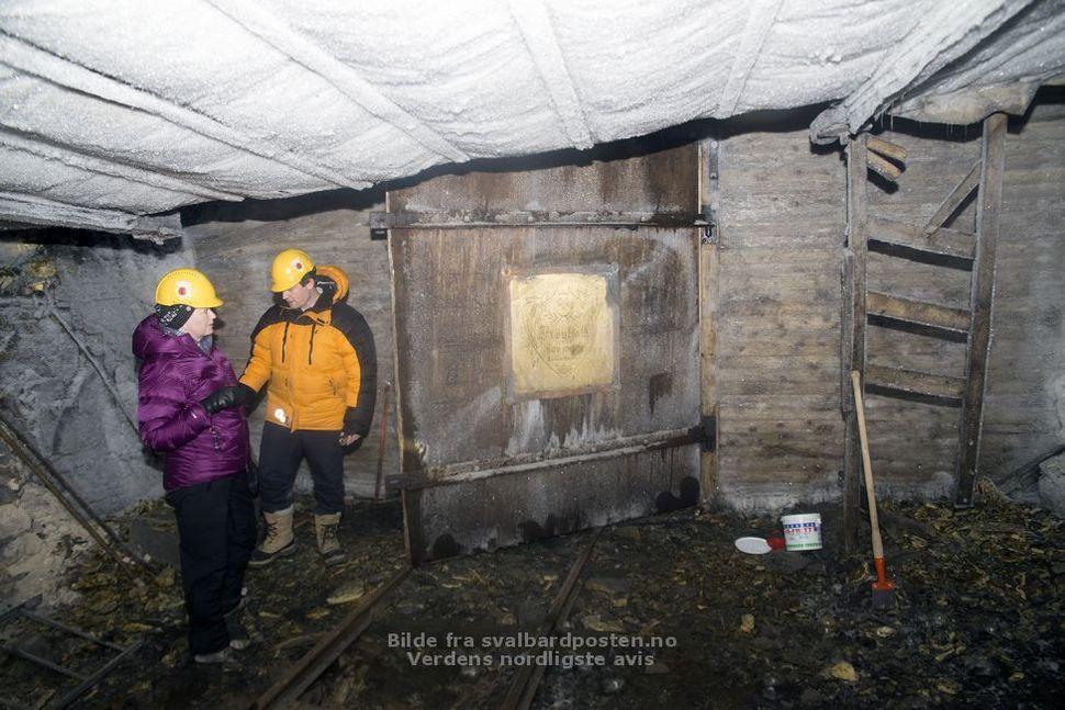 디지털 기록 보관소로 쓰인 스발바르제도의 버려진 광산 내부. 피클 제공