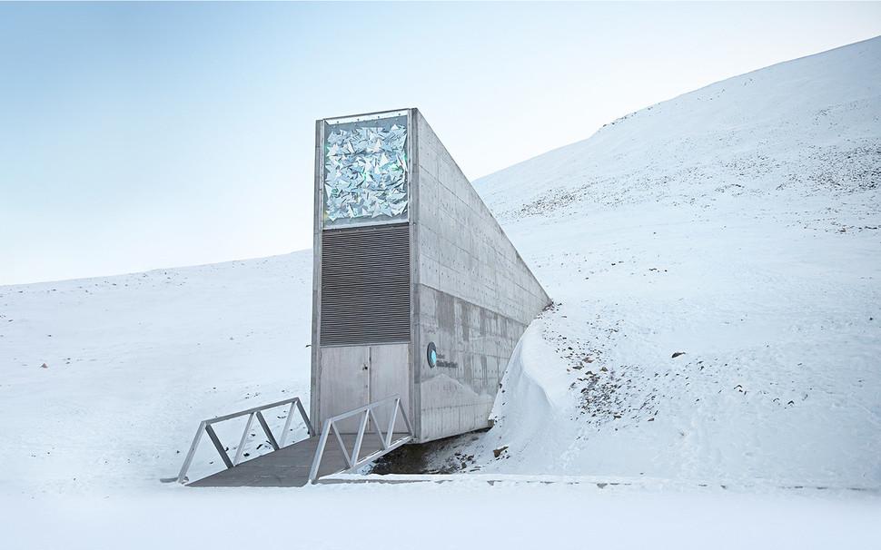 노르웨이령 스발바르제도의 영구동토층에 있는 국제종자저장고. www.croptrust.org