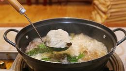 부산 '무궁화식당'의 만두전골. 박미향 기자