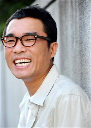 가수 김건모.
