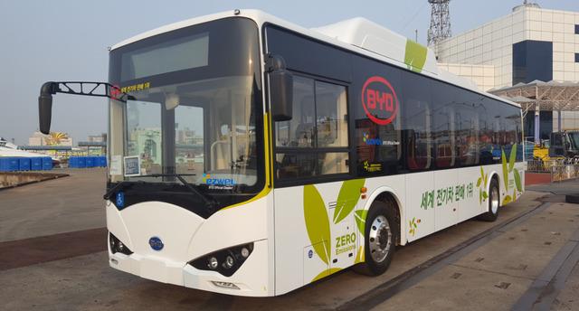 국내 시판을 앞둔 중국 전기차업체 비야디의 전기버스. 이지웰페어 제공