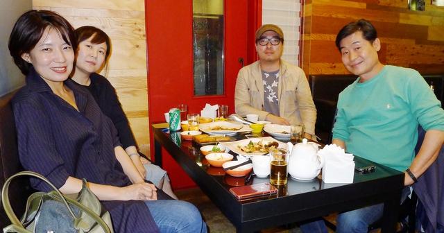 지난7일야식토크를위해'건일배'에모인이들.왼쪽부터성현아,박미향,노중훈,이연복.