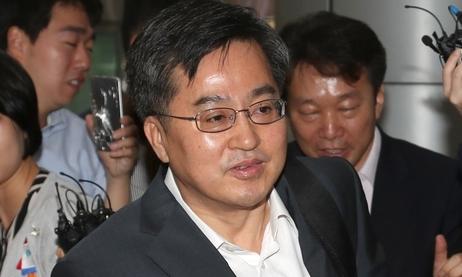 金ドンヨン副首相候補者'人事聴聞会3大争点'