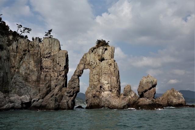 고흥 도화면 구암리 해안의 활개바위.