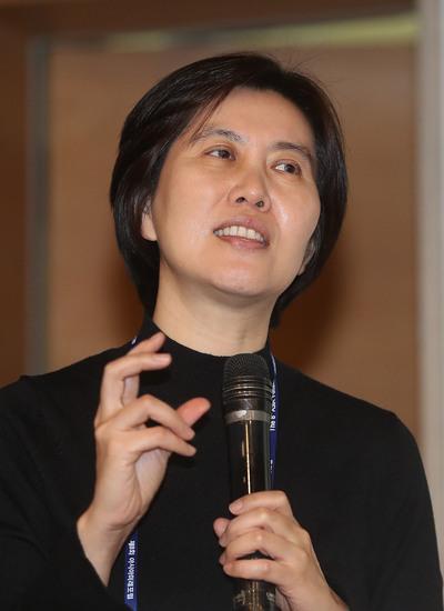 장지연 한국노동연구원 연구위원이 16일 오후 아시아미래포럼에서 강연하고 있다. 신소영 기자