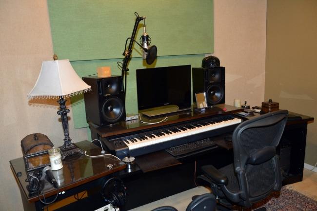 작업실 안의 피아노.(성남시청 제공)