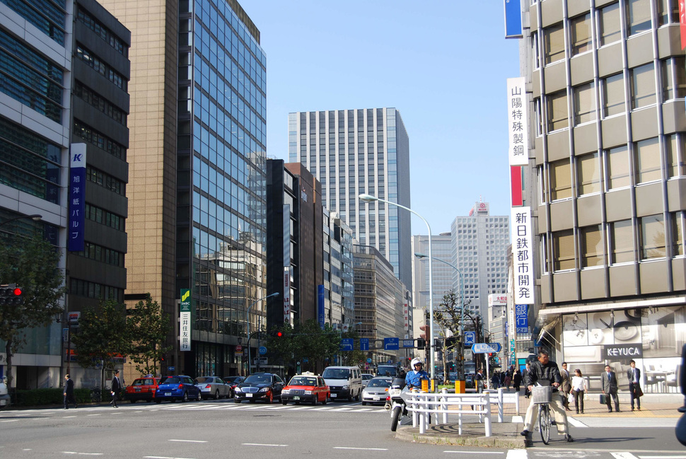 일본 도쿄 니혼바시 빌딩가. <한겨레> 자료 사진