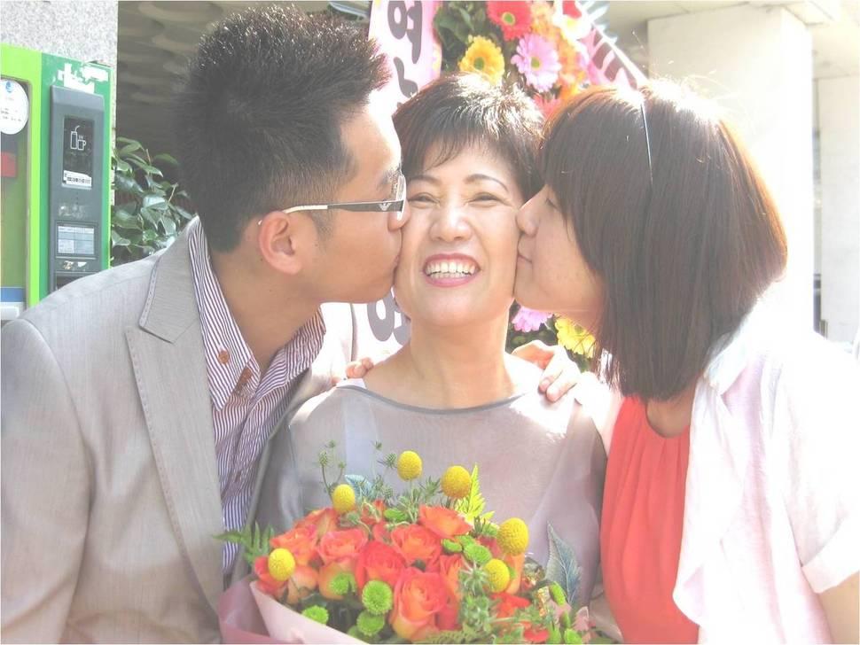 2011년 6월 교회 권사 취임식 날. 관계가 많이 회복된 두 아이와 함께.