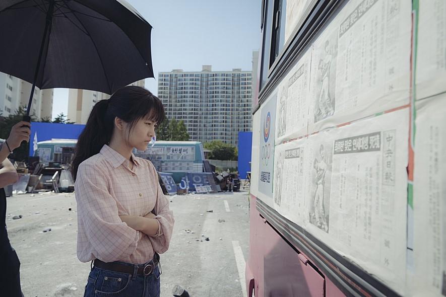 영화 <1987>의 유일한 여성 캐릭터이자 유일한 창작인물인 연희(김태리). 씨제이엔터테인먼트 제공