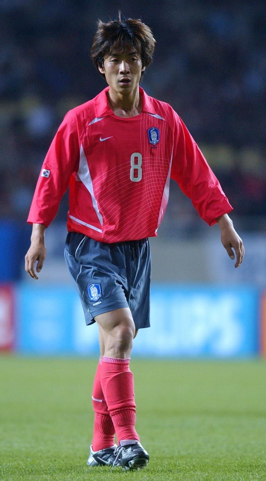 2002년 4월 중국과 국가대표 친선경기에 출전한 윤정환. 그는 2002년 월드컵 본선에서 단 한 차례도 경기장에 나서지 못했다. 강창광 기자 chang@hani.co.kr