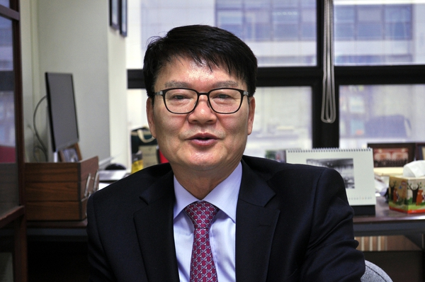 박종근 산업통상자원부 산하 전기위원회 위원장.