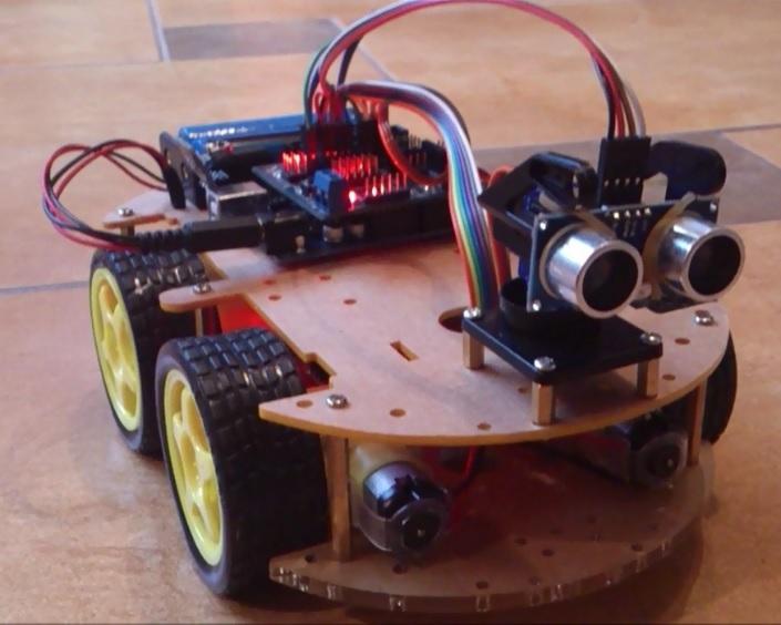 아두이노로 만든 탱크. https://www.robotshop.com/letsmakerobots/obstacle-avoidance-robot-car-arduino