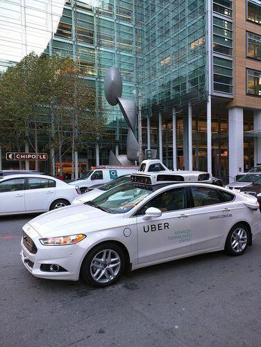 차량 공유업체 우버가 선보인 자율주행 차량. 위키코먼스 제공.