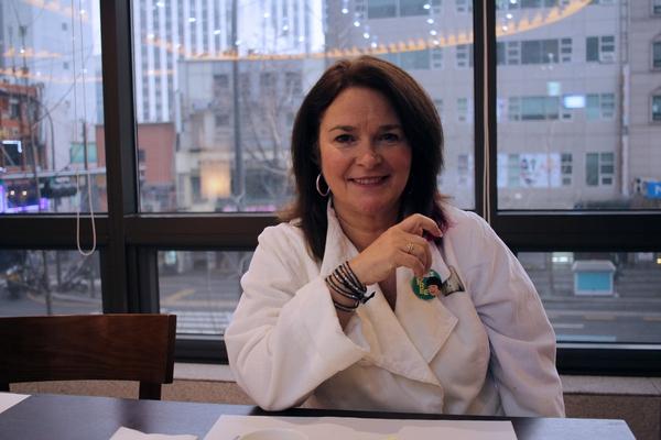 최근 두번째로 서울을 방문했던 린다 사일러스 캐나다간호사노동조합 위원장은 한국의 간호사에게 연대를 통한 '좋은 싸움'을 당부했다. 사진 송진영 연구원