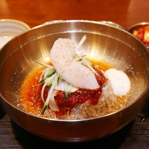 '면채반'의 황태회냉면. 박미향 기자